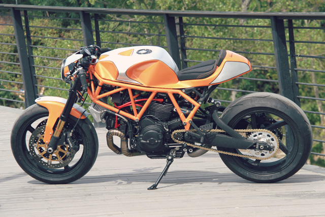 28_09_2016_CC_Racing_Ducati_Supersport_900_03.jpg