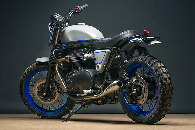 16_05_2017_Triumph_Street_Twin_Scrambler_Analogue_Motorcycles_custom_moto_pipeburn_04.jpg