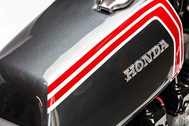 25_05_2017_Motorelic_Honda_CB750_Cafe_Racer_custom_pipeburn_moto_06.jpg