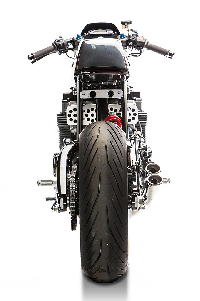 25_05_2017_Motorelic_Honda_CB750_Cafe_Racer_custom_pipeburn_moto_11-1.jpg